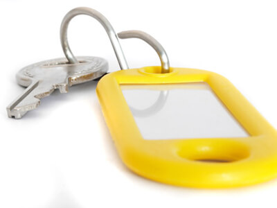 Der Hausverwalter hinterlegt einen Schlüssel.