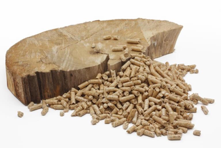 Baumscheibe mit Pellets